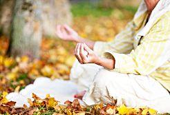 Kundalini erwecken durch Meditation und Yoga
