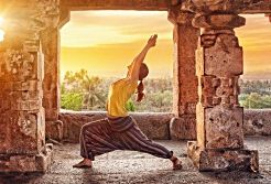 Kundanini-Erweckung durch Krieger-Asana