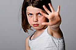 In Kindheit, als Kind sexuellen Missbrauch abwehren